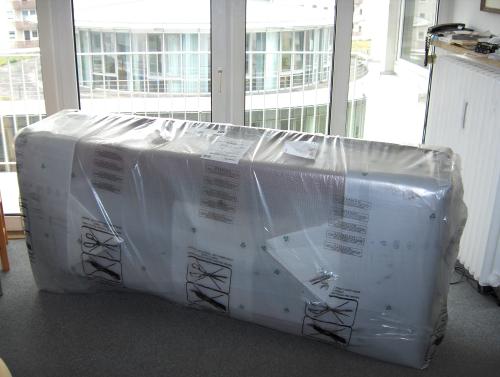 Eingepacktes Sofa